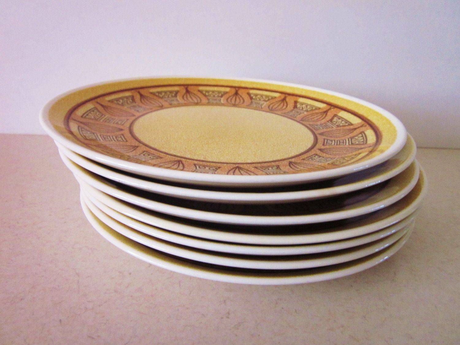 Mid Century Plates, Taylor Smith and Taylor Honey Gold Ironstone Dinner Plates, Modern Vintage, Set of 7.
