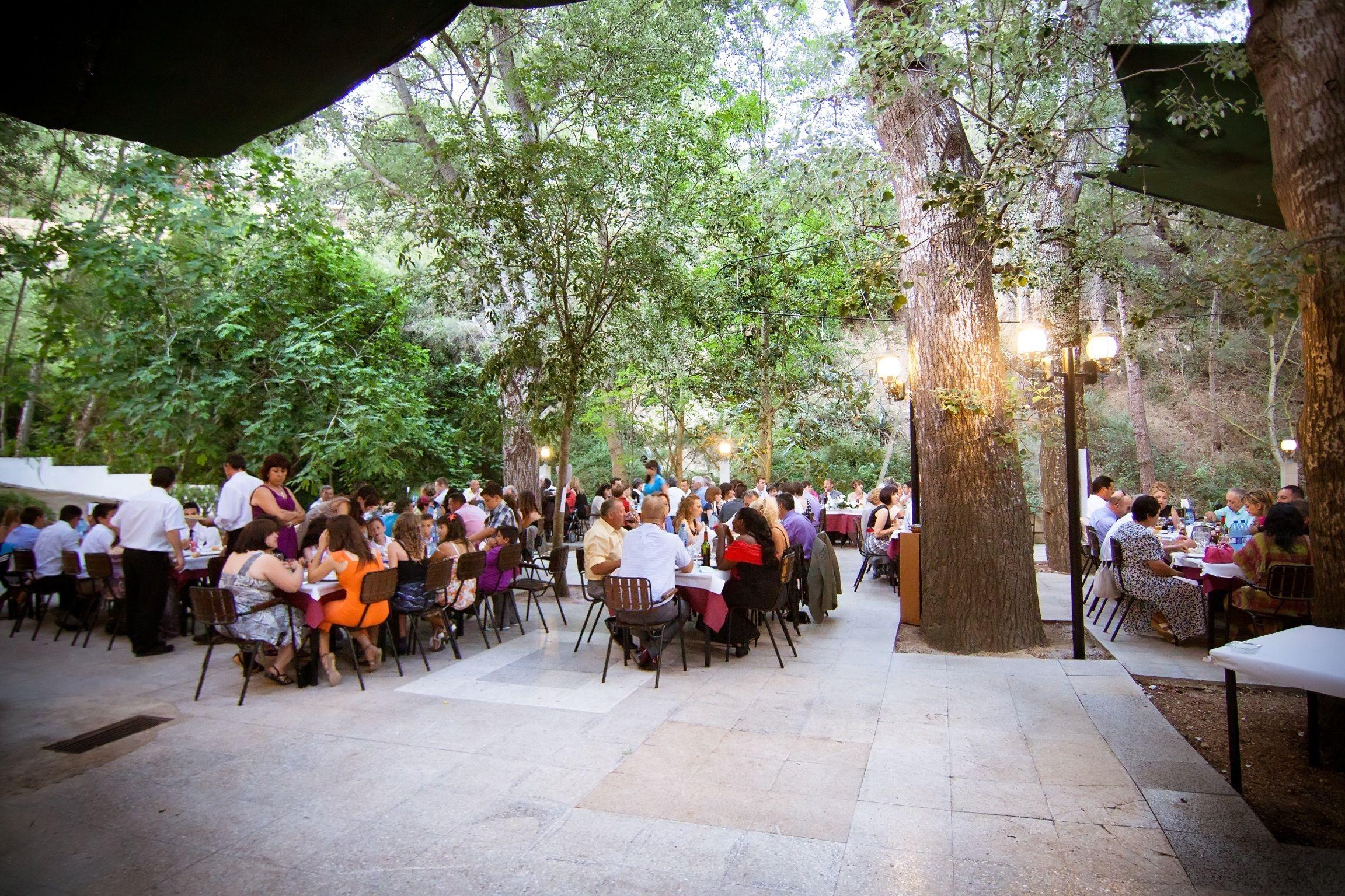 Restaurante Moli de Xirla, Alicante http://www.incuentra.es/restaurantes/en/comunidad-valenciana/alicante/polop/local/restaurante-moli-de-xirles #Terraza