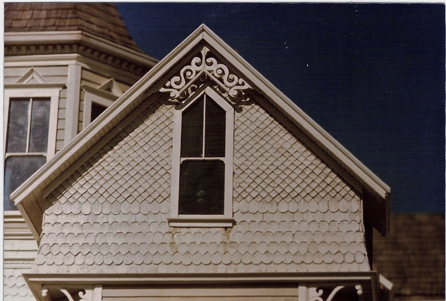 Scalloped Shingles And Diamonds Google Search Siding