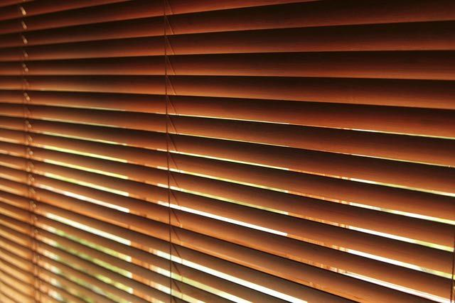 how to clean venetain blinds