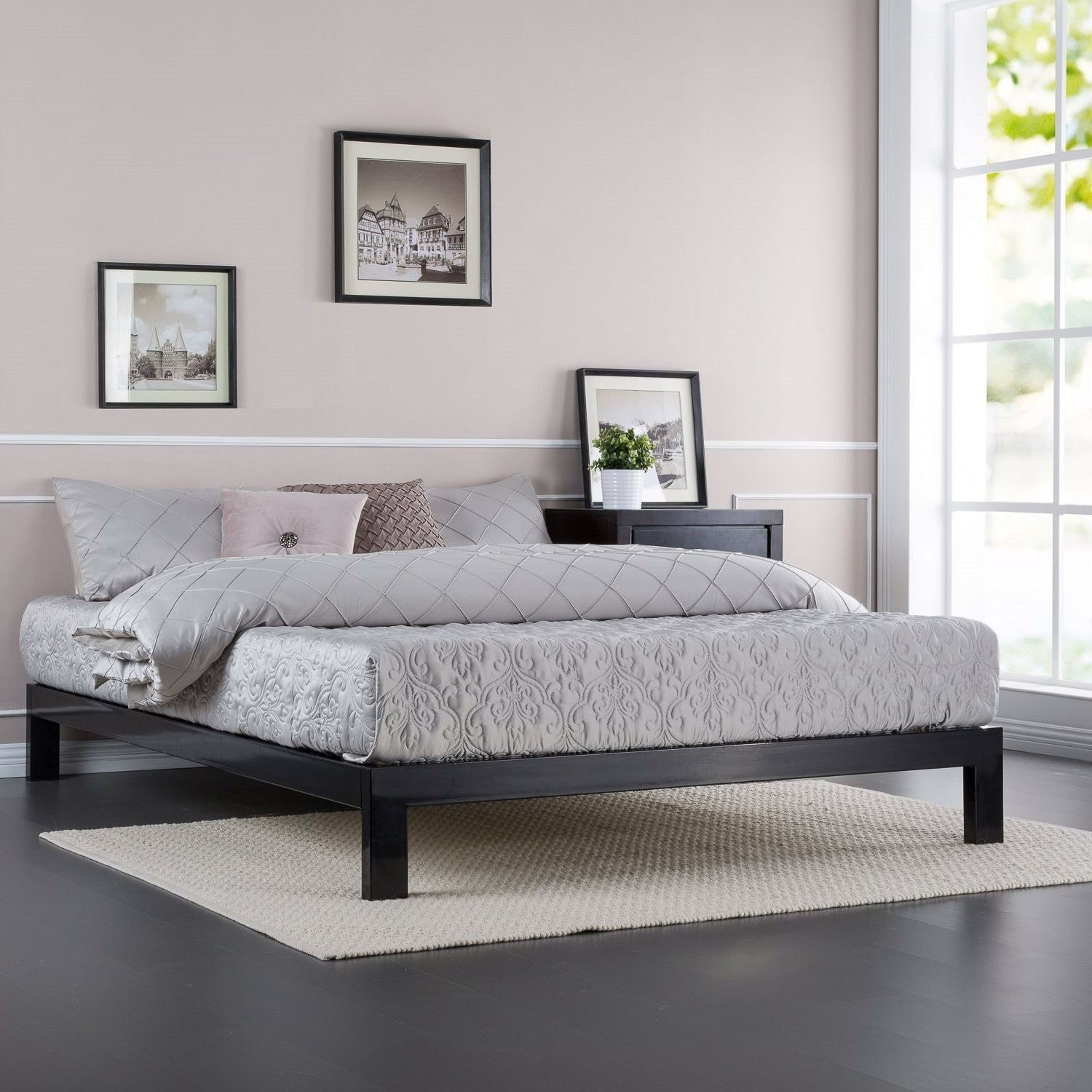 Full Size Contemporary Black Metal Platform Bed With Wooden Mattress