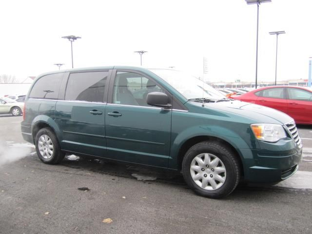 Used 2009 Chrysler Town & Country LX For Sale in Appleton