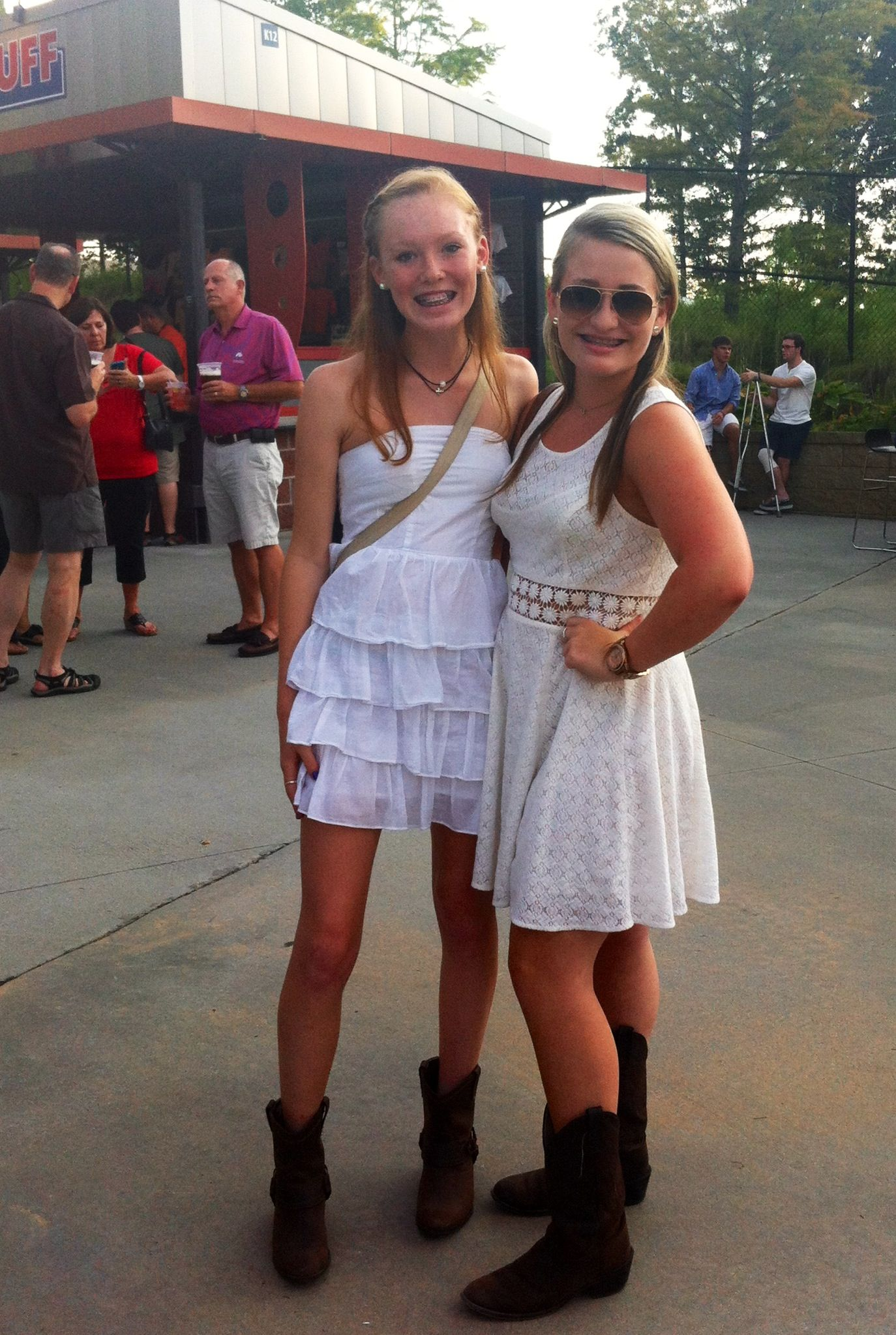Prime Country Concert Outfits Fashion Pinterest Concerts Country Hairstyles For Men Maxibearus