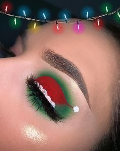 37 Amazing Christmas Makeup Looks You'll Love 2019 - Page 3 of 37 - Veguci #glittereyemakeup