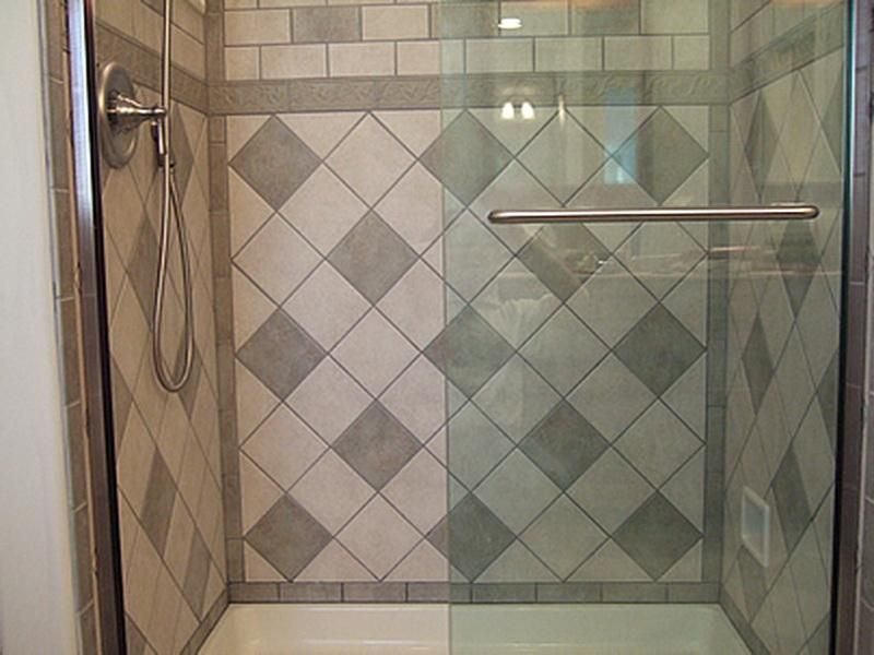 Ceramic tile tub surround ideas 18 photos of the ceramic for Ceramic tile patterns for bathroom floors