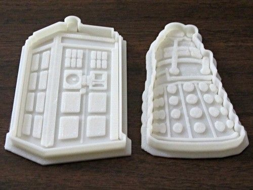 Tardis (& Dalek) cookie cutters