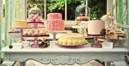 Your Go To Source For Gorgeous Cake Stands