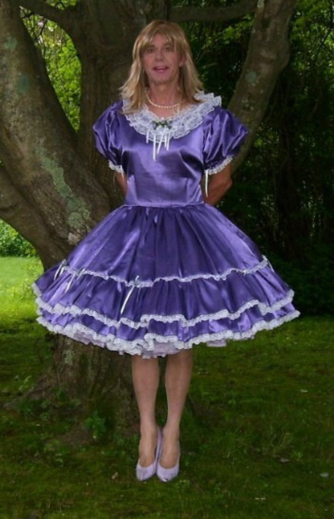 dionnespet: Meet Tammy, dressed in some very nice sissy ...