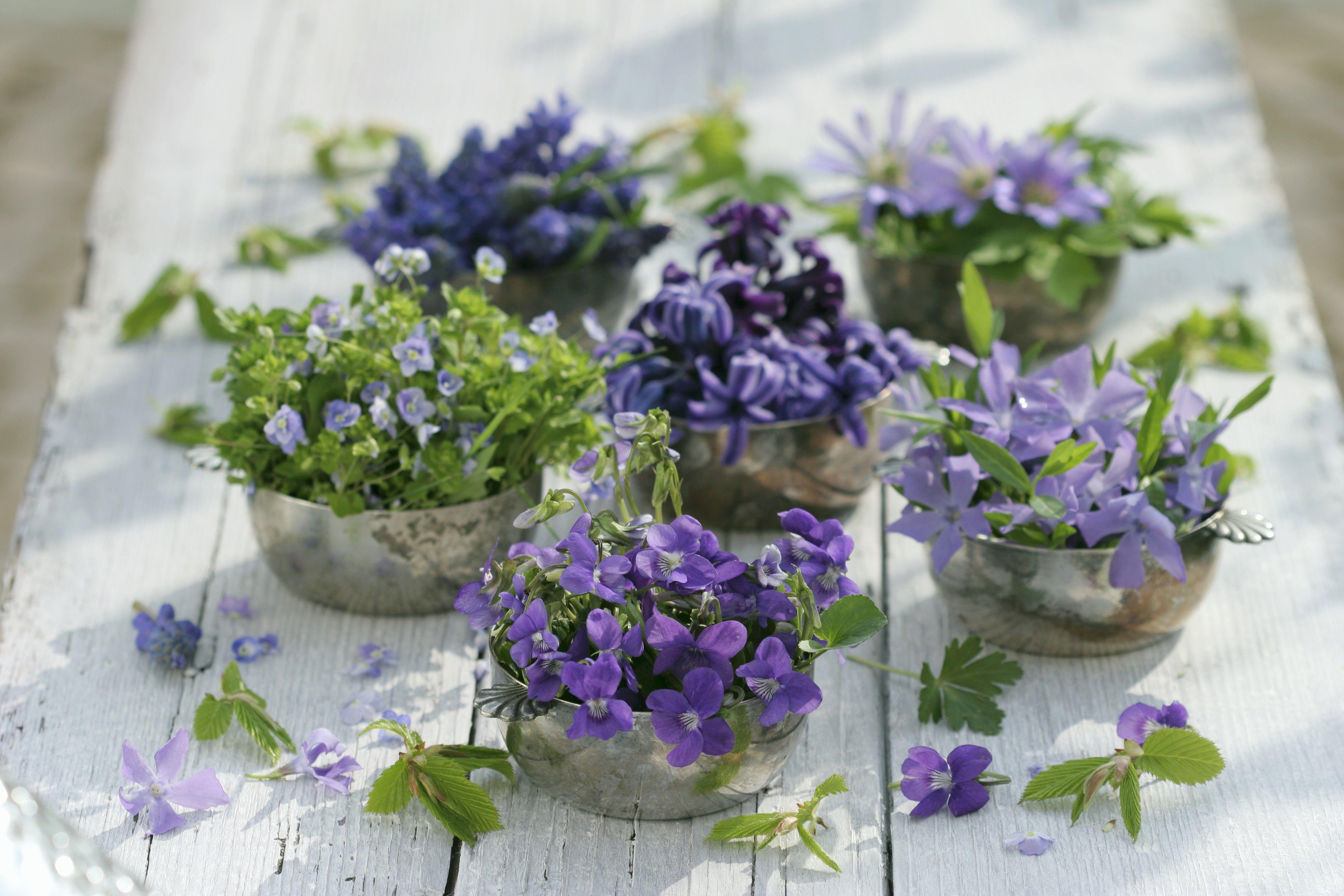 Tischdeko in lila und silber  klassisch und doch