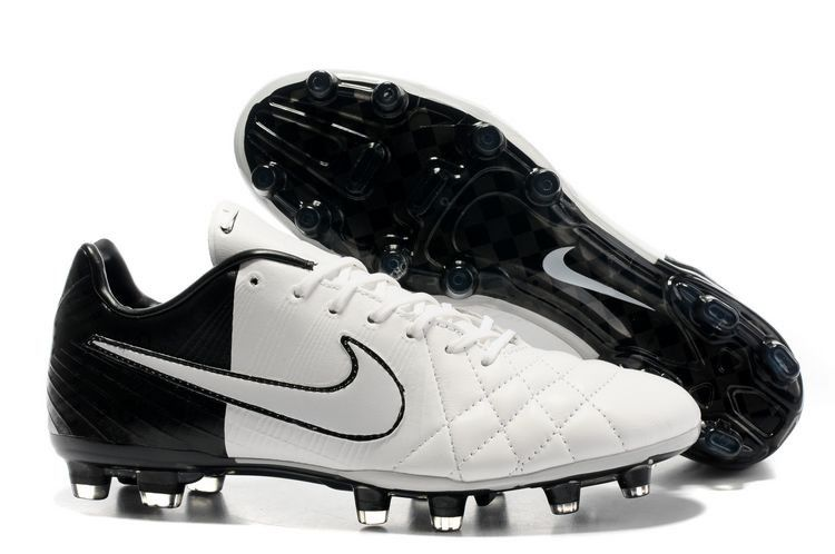Nike soccer � Cheap Soccer Shoes Online... Seriously like 50% off!! And  such � Football ShoesBlack ...