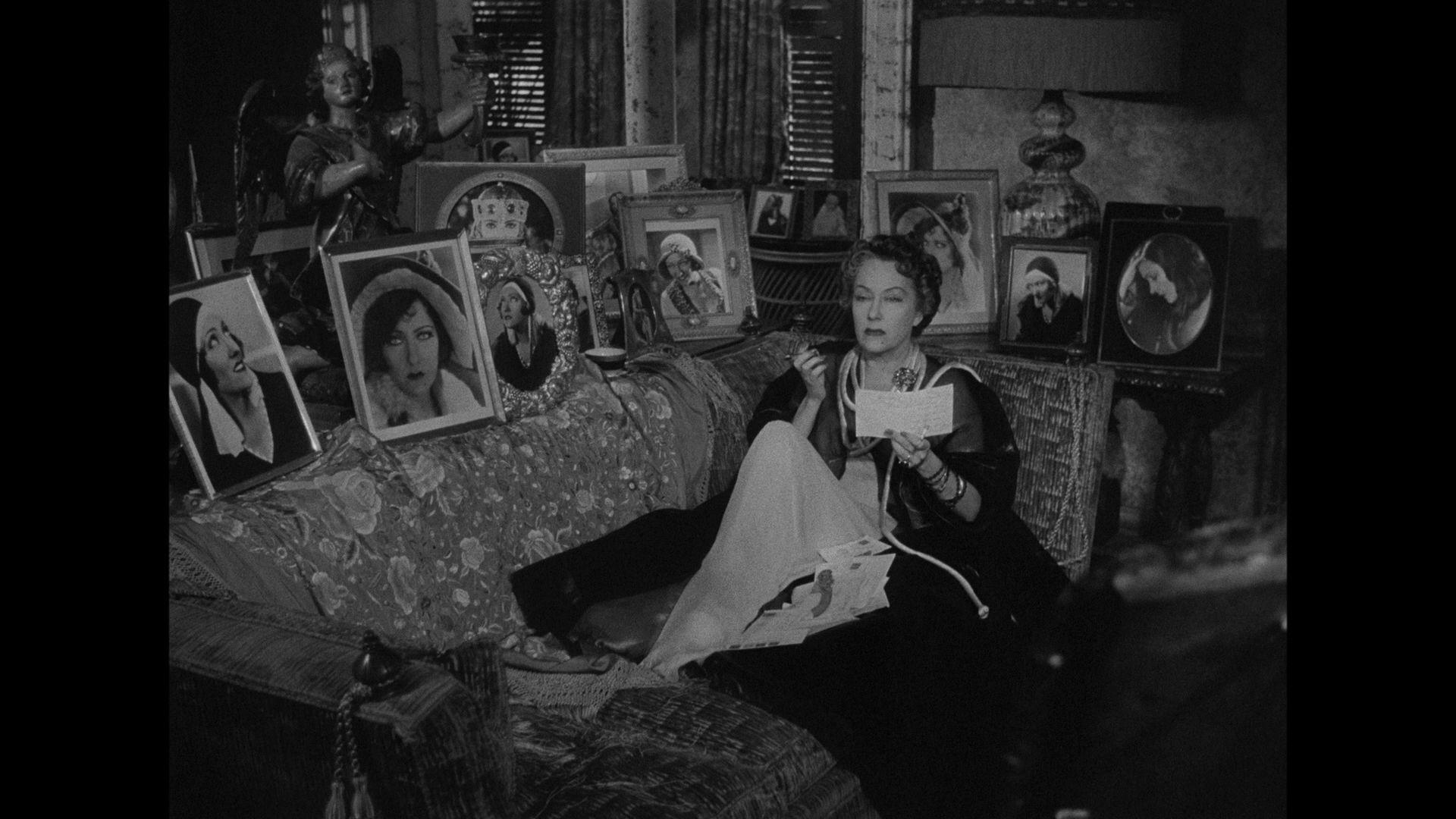 Sunset Boulevard Review Film stills, Film noir, Old