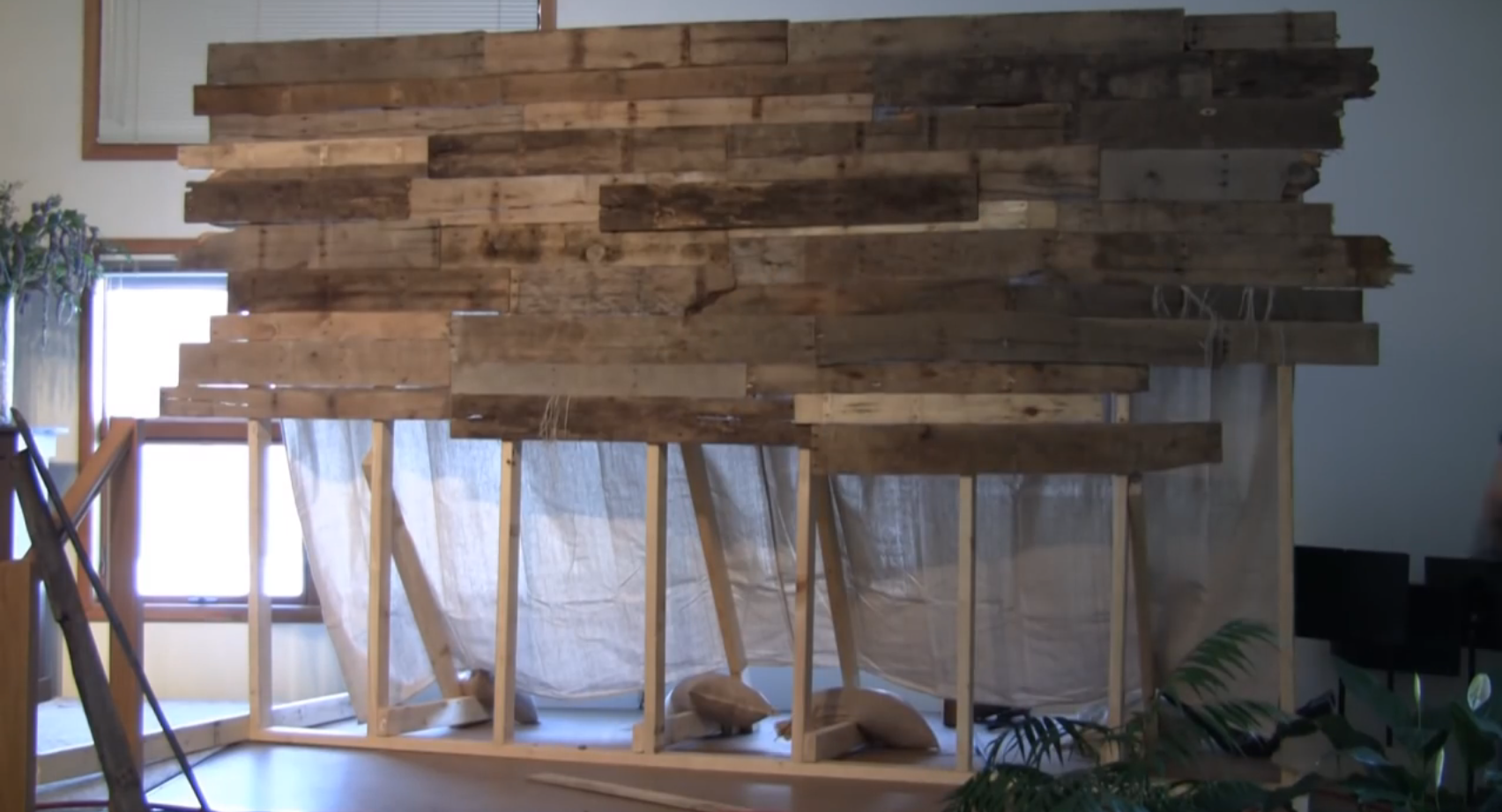 pallet wall with frame pallet backdrop wall backdrops on pallet wall id=52261