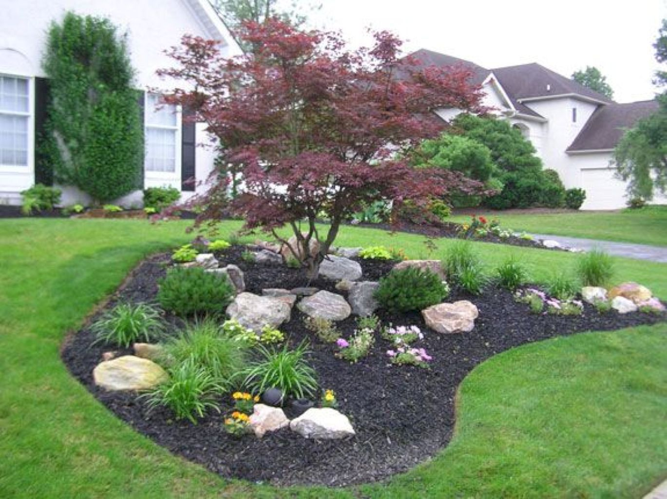54 Beautiful Front Yard Rock Garden Ideas | Large yard ...