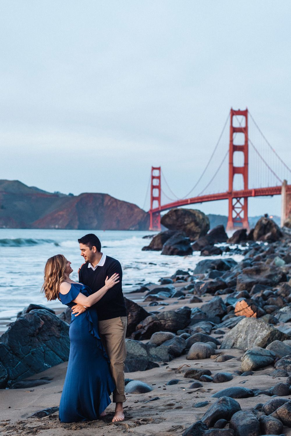 Top 5 Best Places To Take Photos In San Francisco San Francisco Engagement Photos Engagement Photoshoot Engagement Photo Outfits