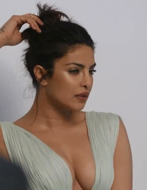 Sexy priyanka chopra boobs