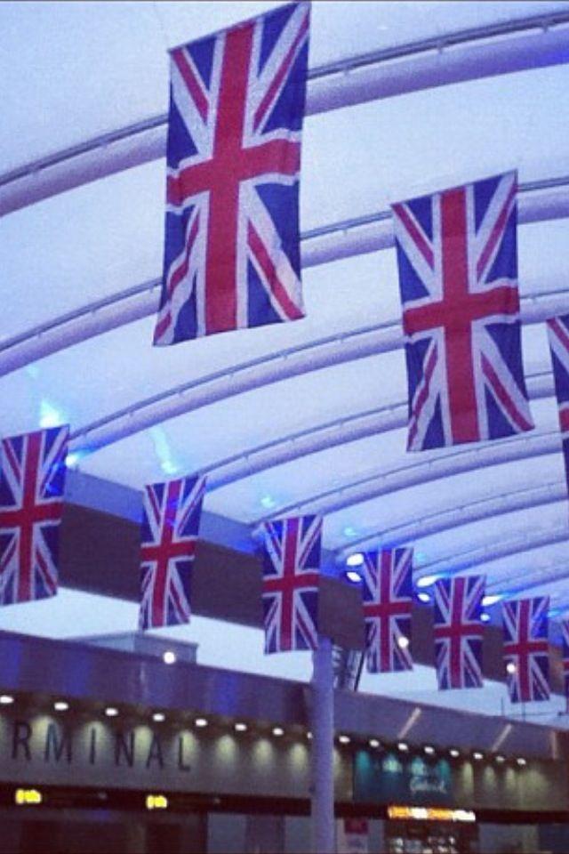 London Heathrow Airport Lhr In 2020 Heathrow Airport London