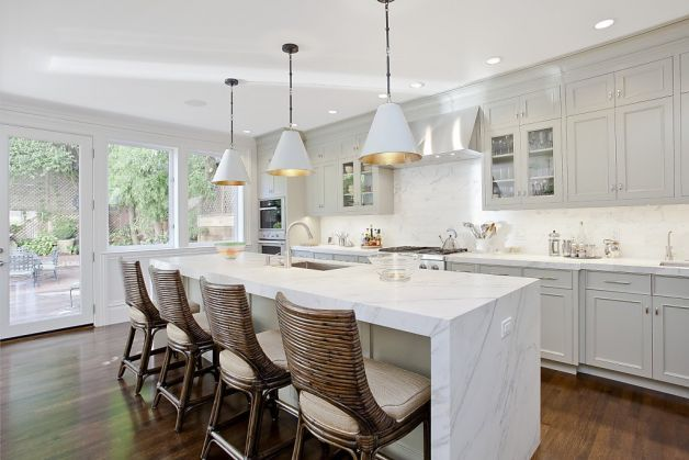 Union street home blends classical modern styles calacatta long island and marbles - Long island kittchen ...