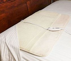 Electric Foot Of The Bed Warmer Stops Cold Feet Foot Of Bed Cold Feet Warmers