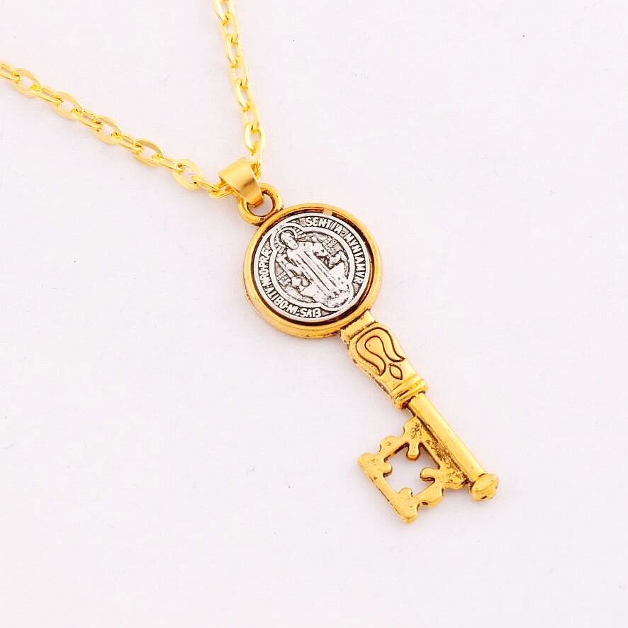 c29 42x14.6mm Antique Silver And Gold Saint Benedict Exorcism Medal Catholic Cross Key Pendant Necklaces N1692