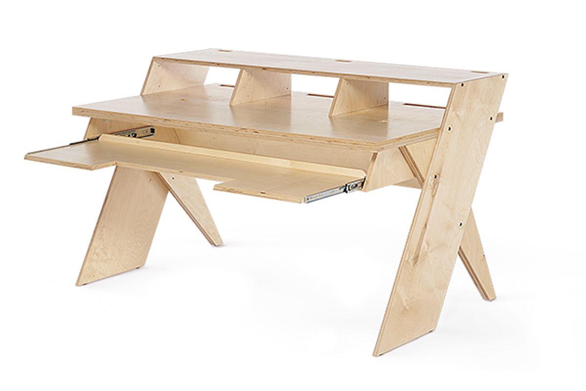 Output se met à la menuiserie tables pinterest studio desks