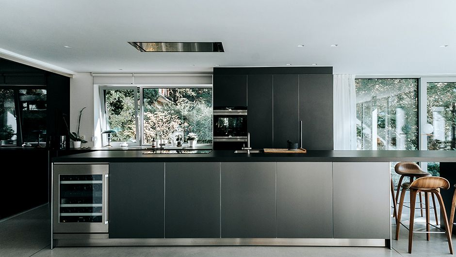 Rénovation d\'une maison contemporaine - Cuisine ouverte avec vue sur ...
