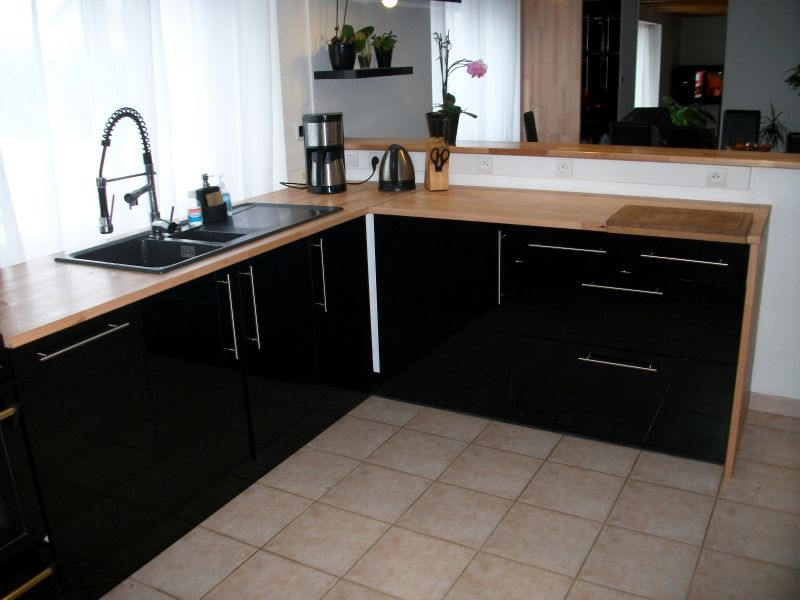 Noir Et Bois Cuisine Noir Laque Cuisine Noire Cuisine Noire Et Bois