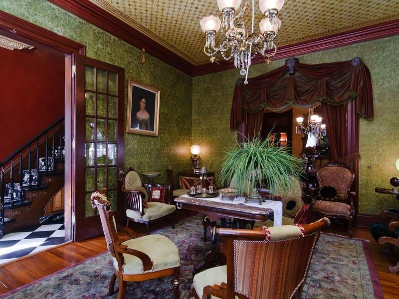 Victorian style interior design | Victorian home decor ...
