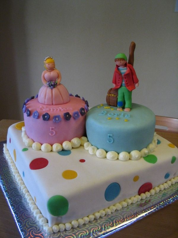 Cake Ideas For Boy Girl Twins : boy girl twin birthday cake cakecentral.comtwin birthday ...