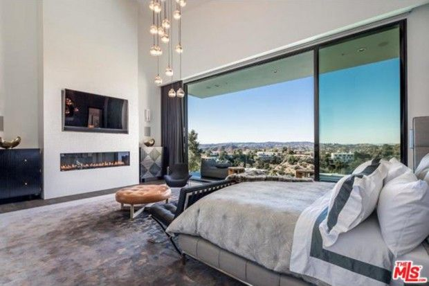 John-Legend-And-Chrissy-Teigen-Beverly-Hills-Real-Estate-Master-Bedroom-2