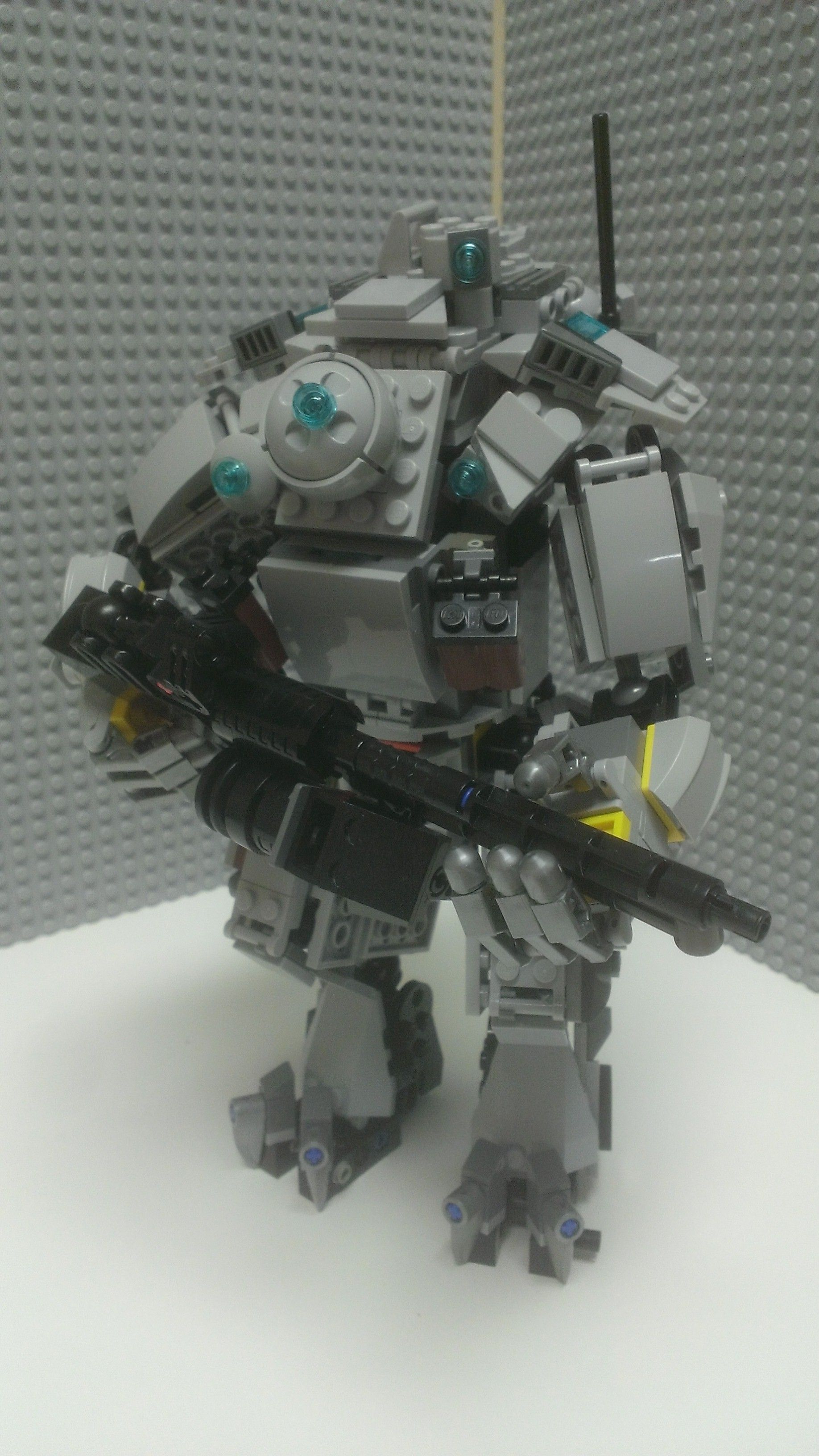 LEGO Titan | Video Game Art | Lego robot, Cool lego creations, Lego