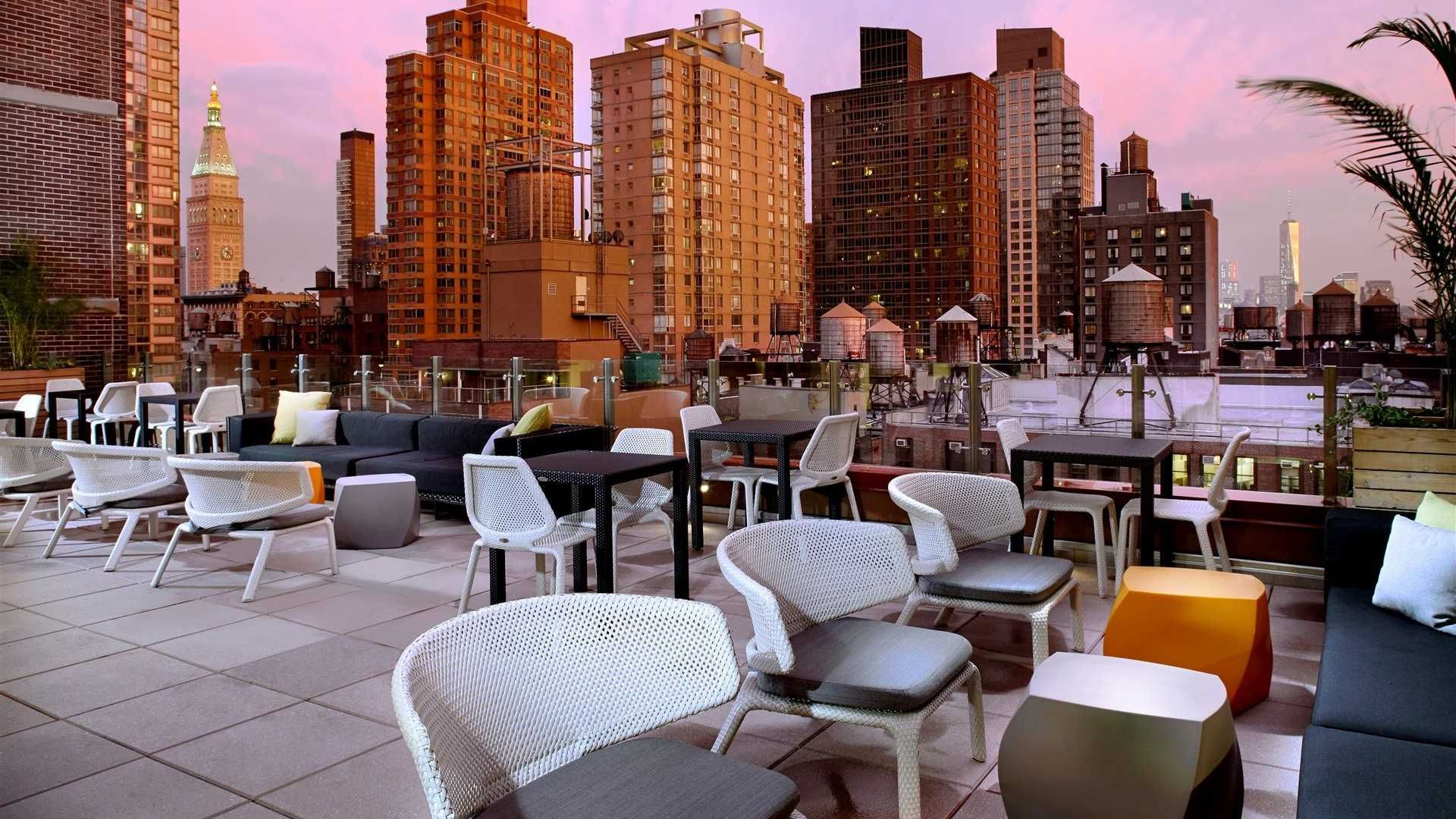 Hotels In New York City >> Chelsea Hotel Cambria Hotel Suites New York City Hotel