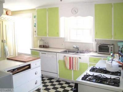 Modern, country-style kitchen Dream Home Pinterest Modern