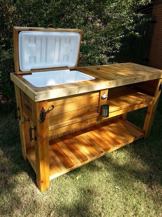 Wooden ice chest patio bar angel outlaw creations for Wood outdoor bar ideas