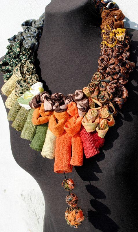 Gioielli con materiali elettrici gioielli realizzati all for Design di gioielli