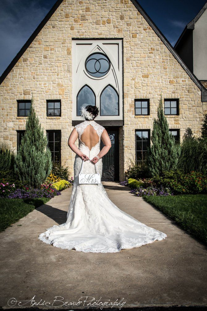 Beautiful vesica piscis bridal session in tulsa ok wedding beautiful vesica piscis bridal session in tulsa ok wedding photographer andi bravo andi bravo photography junglespirit Gallery