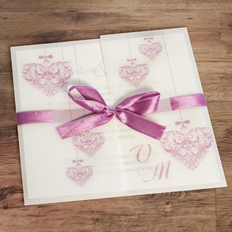 Diese Einladungskarte Ist Etwas Ganz Besonderes Für Eure Hochzeit: Filigran  Verschnörkelte Herzen In Klassischem Altrosa Zieren Dieses Quadratische ...