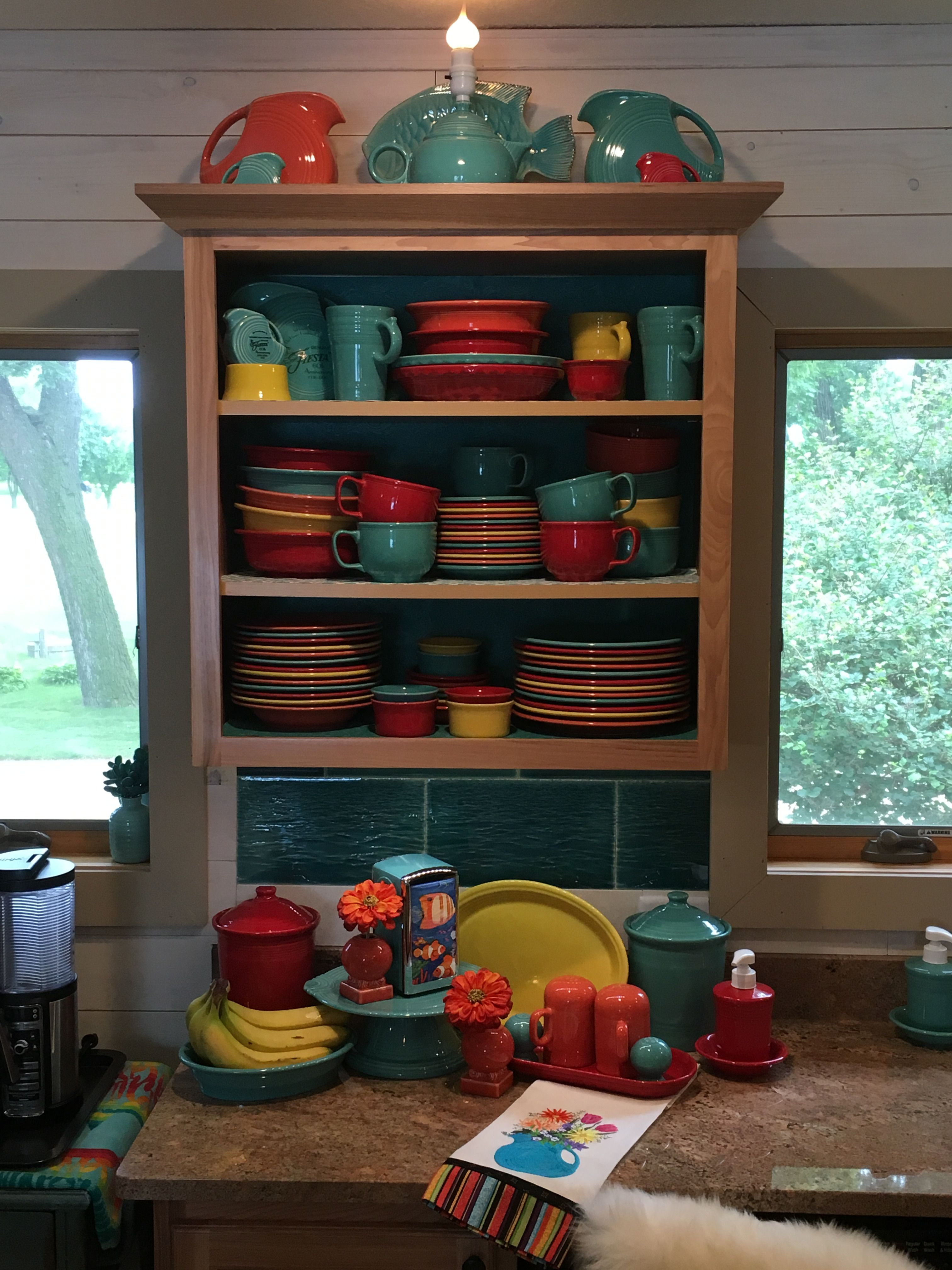 Fiestaware Display | Fiesta! in 2019 | Fiesta kitchen ...