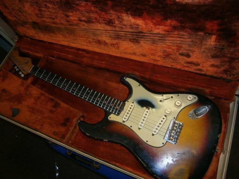 1963 Fender® Stratocaster® ($19.300) Sunburst Strat®... with all ...