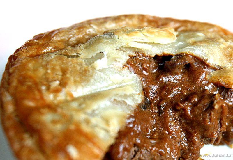 Beef burgandy steak pie for lunch | Food, Beef burgandy ...