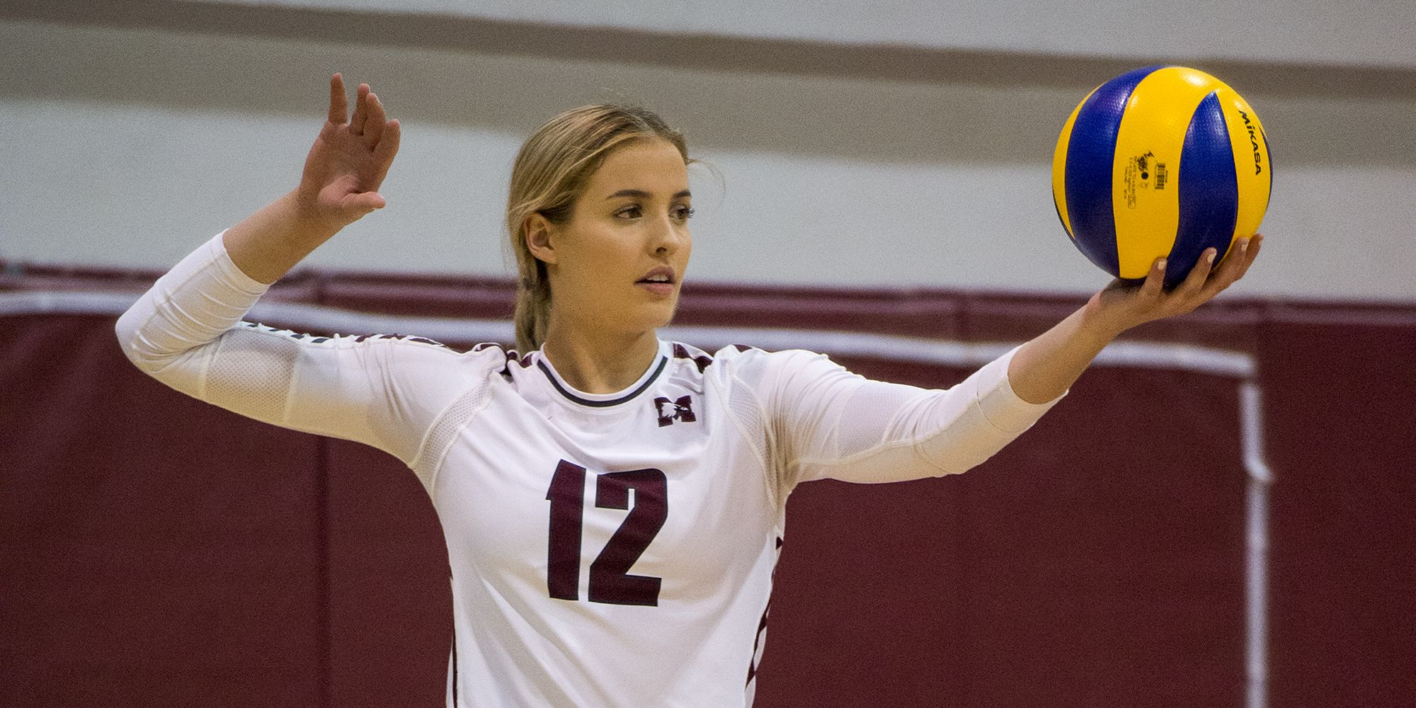 Maddie Lethbridge Women S Volleyball Mcmaster University Athletics In 2020 Women Volleyball Beautiful Athletes Volleyball