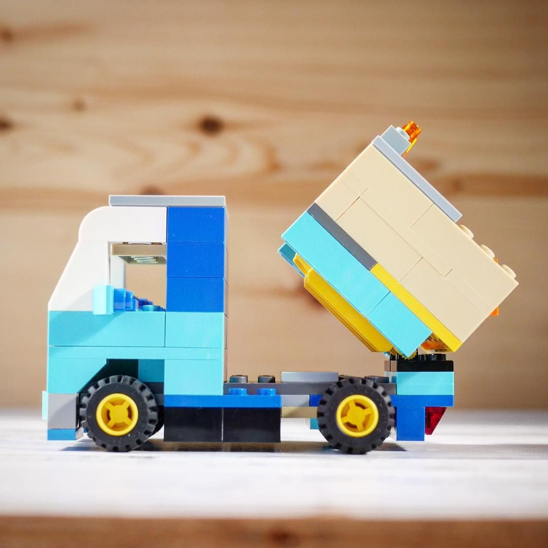 レゴクラッシック10698だけを使ってダンプカーを作りました