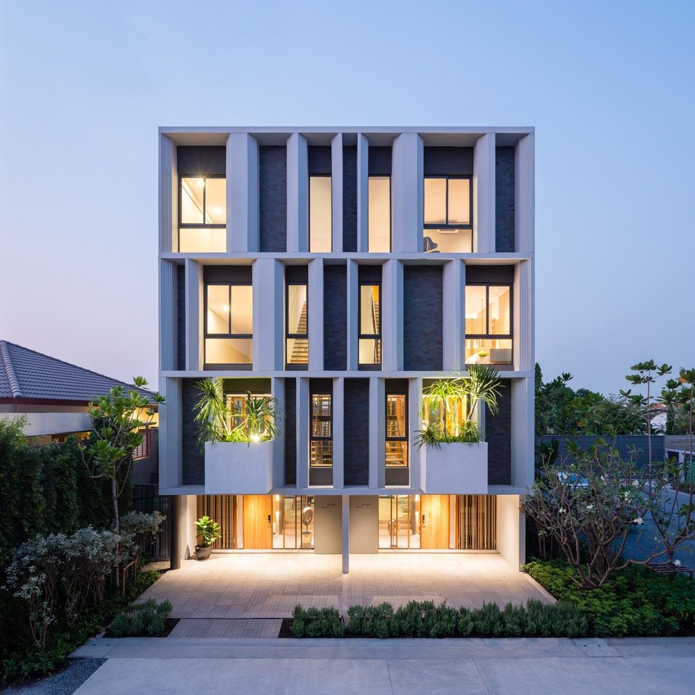 Modern Beautiful Home Gardens Designs Ideas: Gallery Of Townhouse With Private Garden / Baan Puripuri