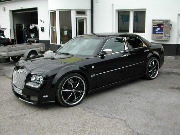 Check Out Customized Allhotsuvs S 2007 Chrysler 300 Photos Parts