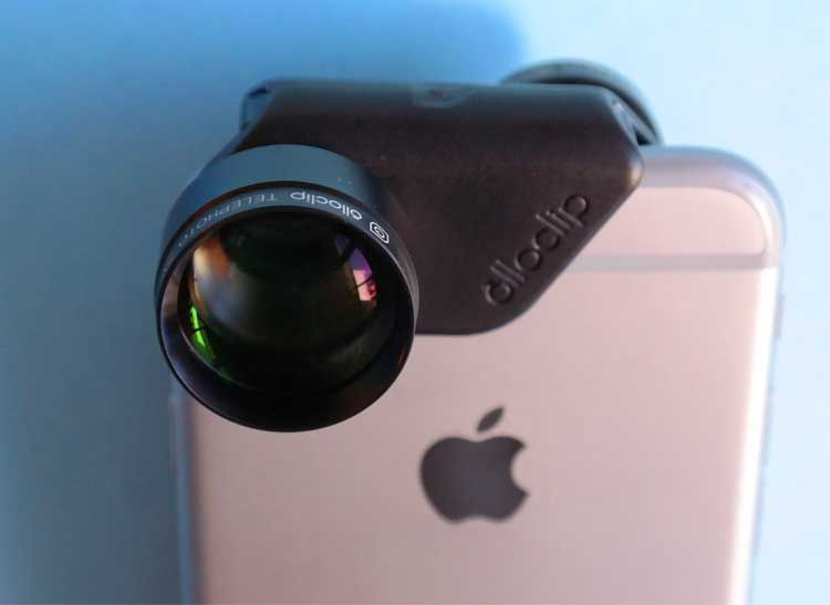Add-on Telephoto Smartphone Lenses Get You Close to the Action