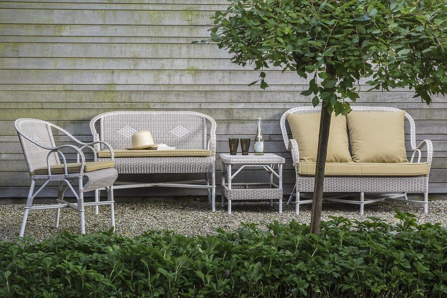 Un salon de jardin vintage en résine KOK Maison | Mobilier ...