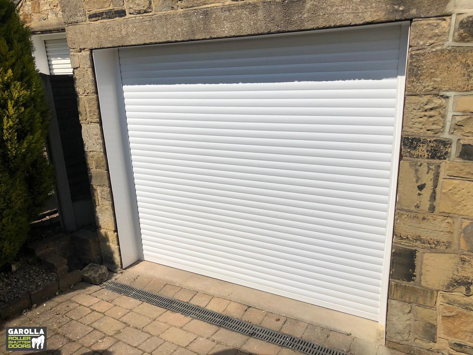 Roller Garage Door In 2020 Garage Doors Garage Door Design Garage Door Decor