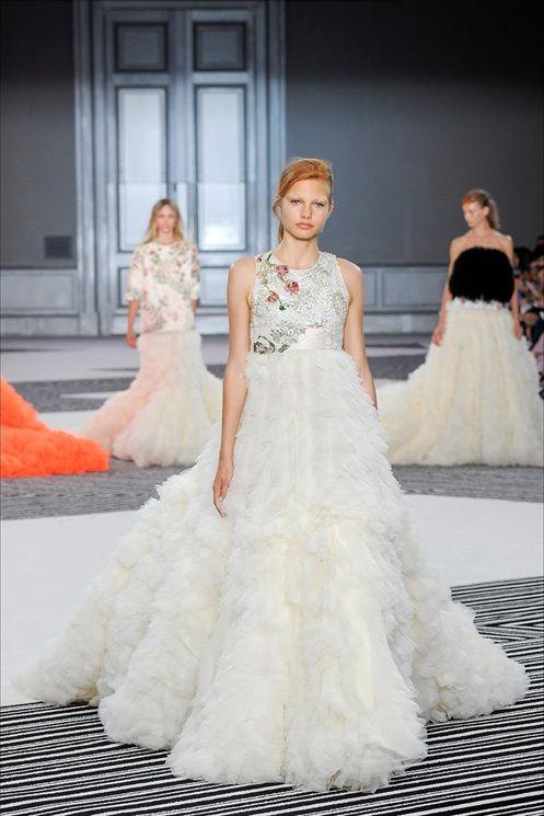 Giambattista Valli Wedding Dress // Paris Fashion Week Haute Couture ...