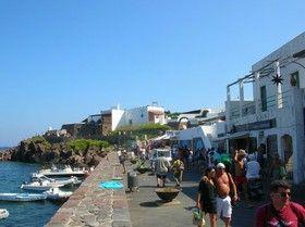 Sicilia isla de panarea via san pietro italiaitaly sicilia isla de panarea via san pietro sciox Gallery
