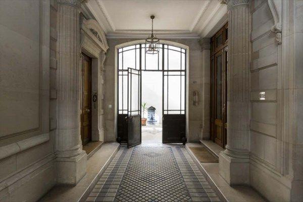 Renovated apartment, 249 m² (2 680 sq. ft.), 7  rooms, 75016 PARIS