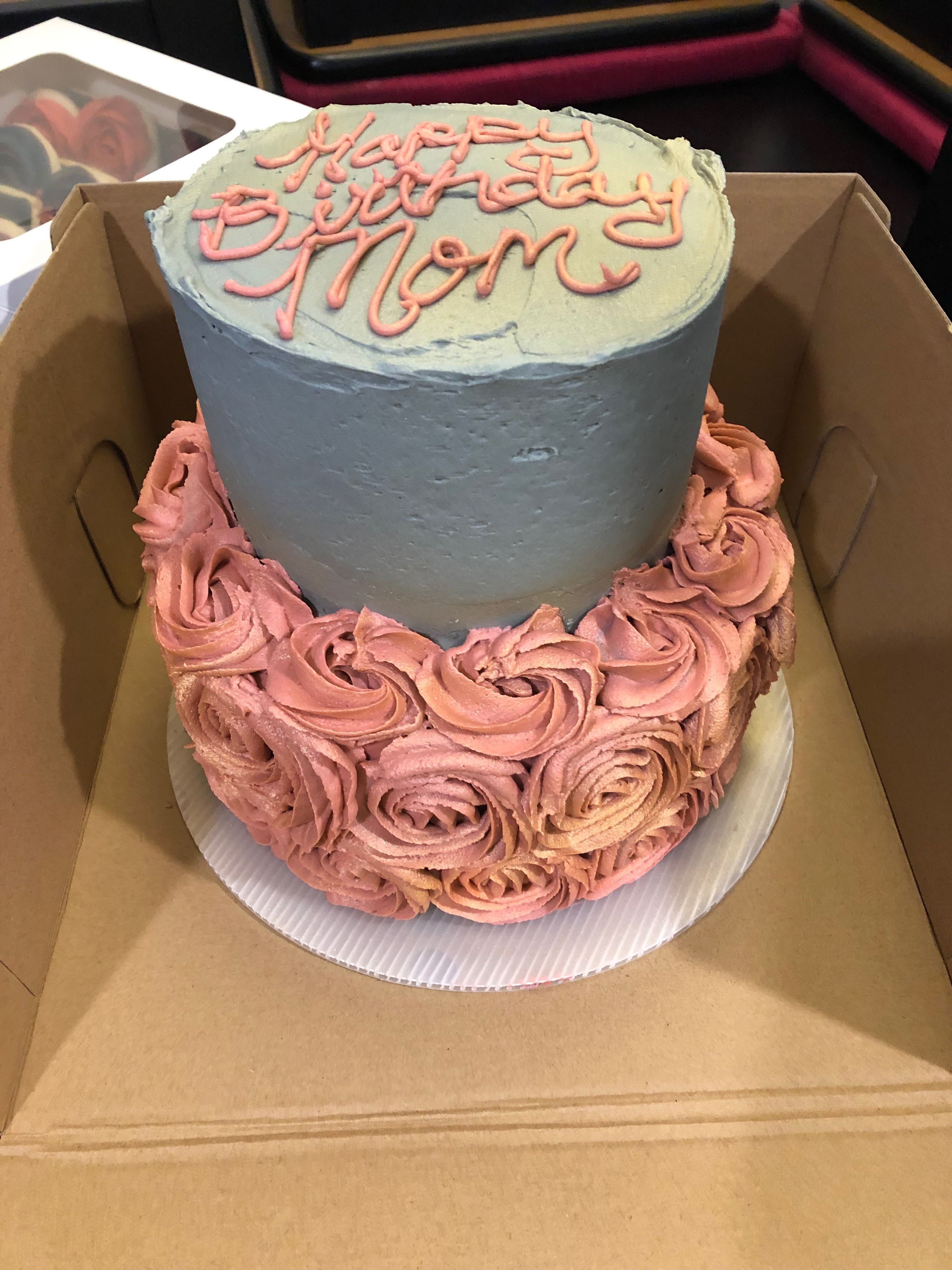 Birthday Cake For Mom Gray Top With Soft Rose Color For The Bottom Birthday Cake For Mom Mom Cake Cake
